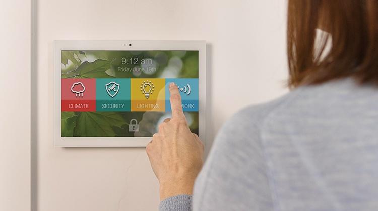 smart-home-touchscreen